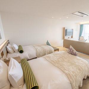 イヴレスのホテル、hotelのベッド