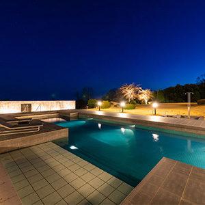 イヴレスのリゾートホテルのプライベートプール